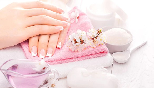 How To Perform Hot Oil Manicure And What Are Its Benefits